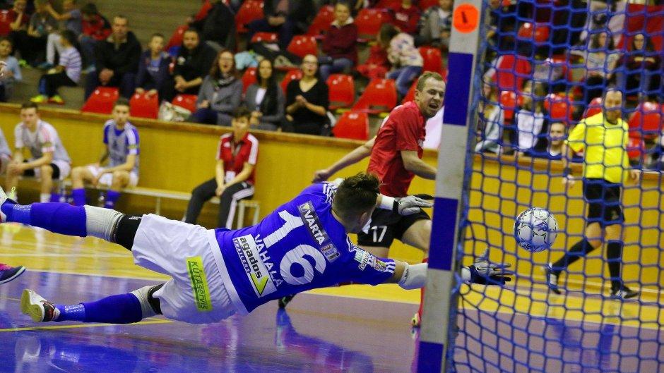 e4a94dd1a Slavia si odvezla z Chrudimi sedm branek | VARTA futsal liga
